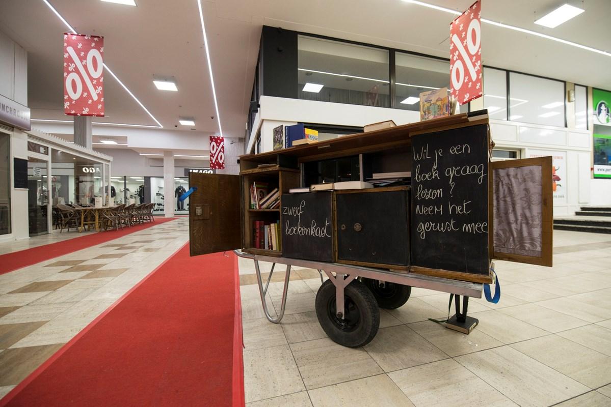 Zwerfboekenkast Genk Shopping 3